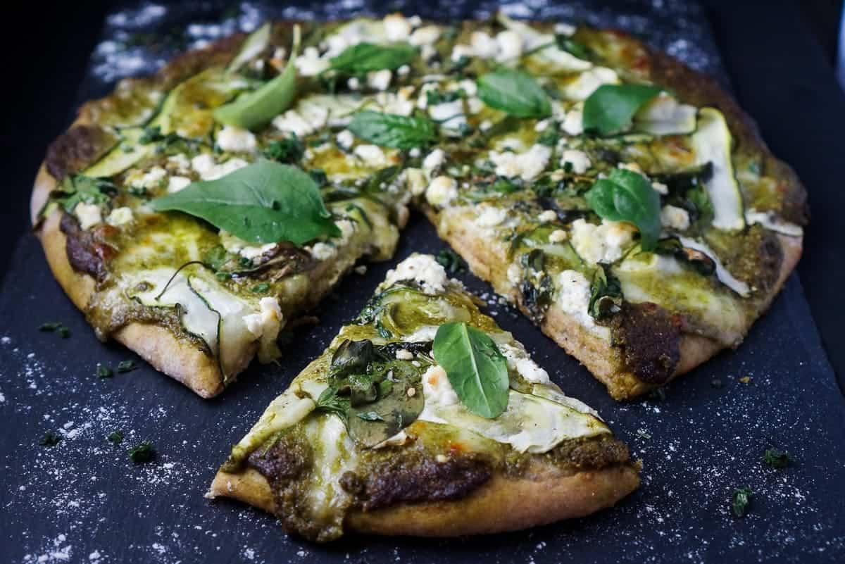 die beste green lovers pizza mit jeder menge gem se. Black Bedroom Furniture Sets. Home Design Ideas