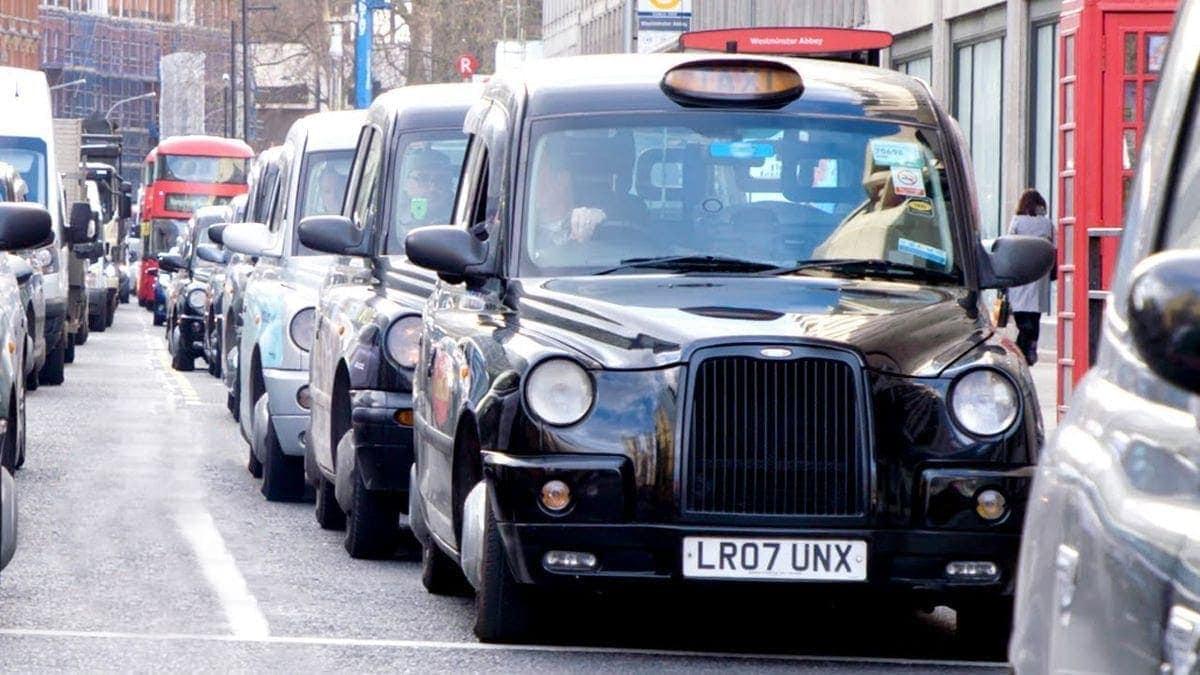 Was man in London draufhaben muss, um Taxifahrer zu werden | Menschen | Was is hier eigentlich los?