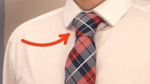 Wie man eine Krawatte gekonnt und in Rekordzeit bindet | Was gelernt | Was is hier eigentlich los?