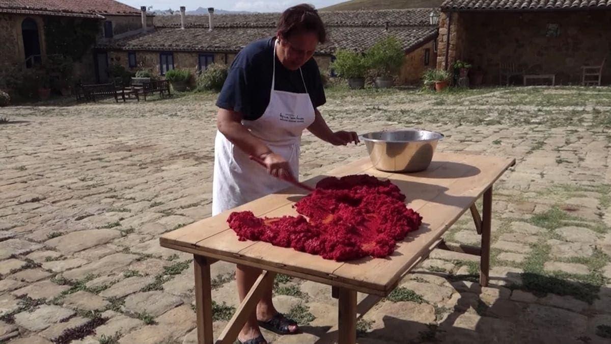 Wie Tomatenmark hergestellt wird | Was gelernt | Was is hier eigentlich los?