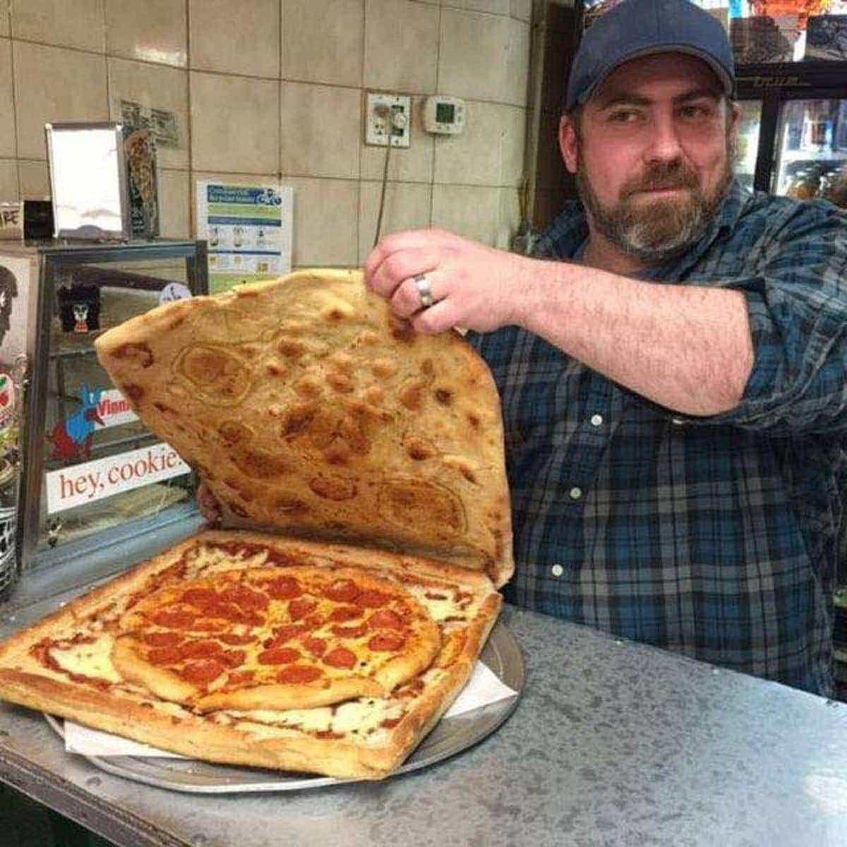 Die ultimative Pizza-Verpackung ist aus ... Pizza | Lustiges | Was is hier eigentlich los?