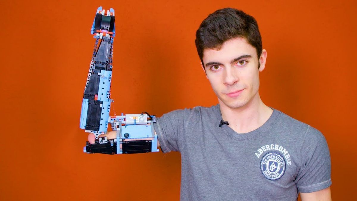 Eine Armprothese aus Lego gebaut | Gadgets | Was is hier eigentlich los?