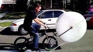 Das Luftpolsterfolien-Fahrrad | Gadgets | Was is hier eigentlich los? | wihel.de
