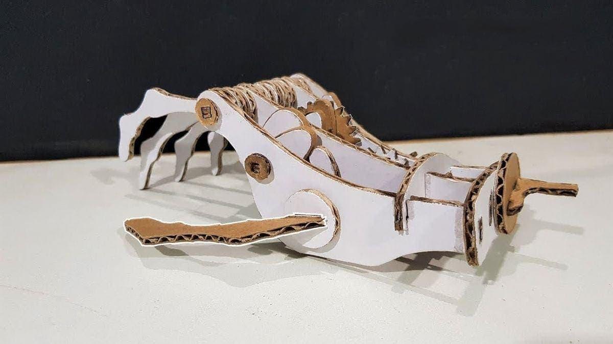 Eine funktionierende Roboterhand aus Pappe | Gadgets | Was is hier eigentlich los?