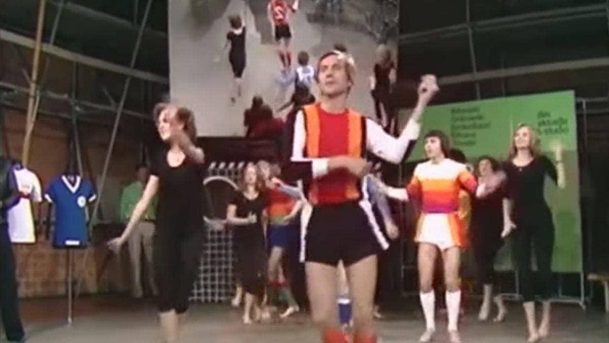 Eine Fußball-Trikot-Präsentation aus den 70ern | Lustiges | Was is hier eigentlich los?