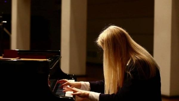Valentina Lisitsa – Die Frau mit den Gummi-Fingern | Musik | Was is hier eigentlich los? | wihel.de
