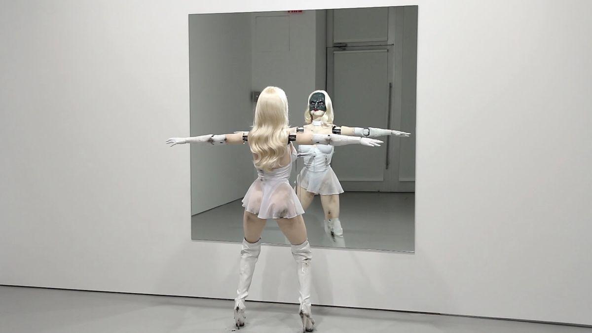 Ein gruseliger, tanzender Roboter | WTF | Was is hier eigentlich los?