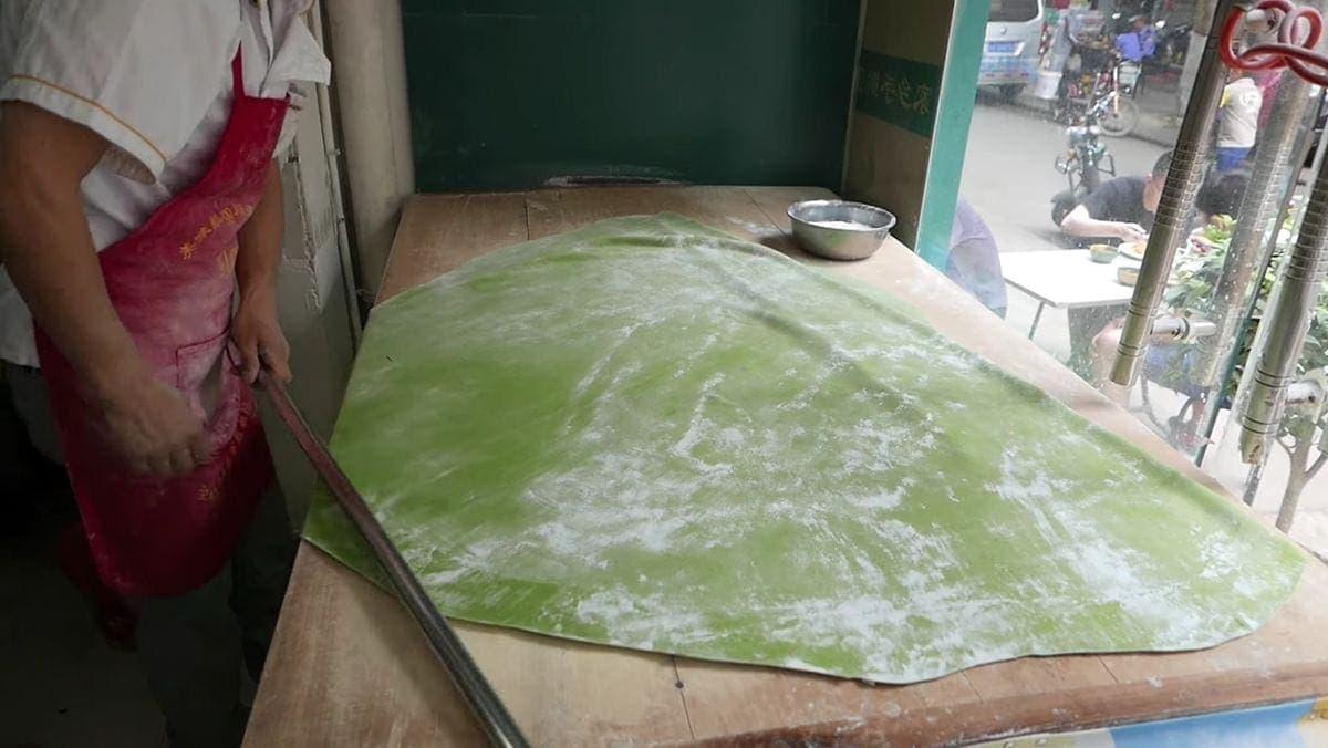 Wie in China Spinatnudeln gemacht werden | Essen und Trinken | Was is hier eigentlich los?