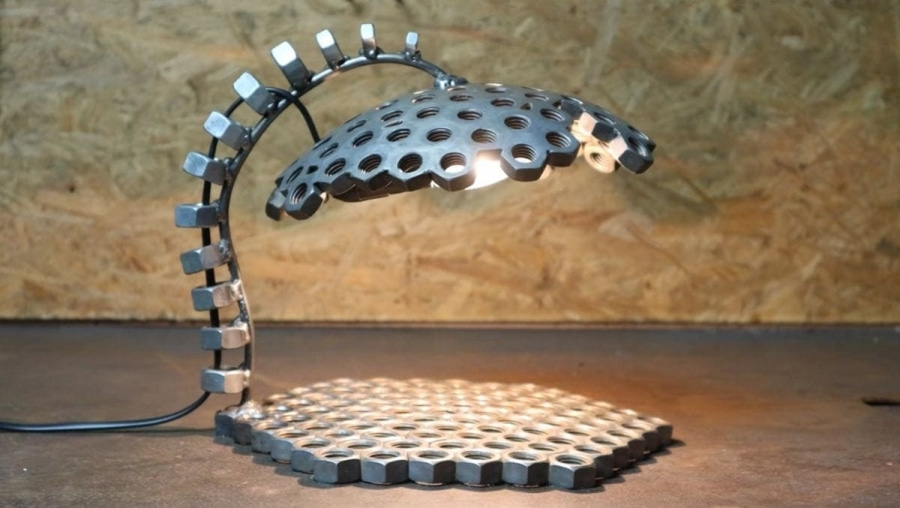 Eine Lampe aus Schraubenmuttern gebastelt | Handwerk | Was is hier eigentlich los?