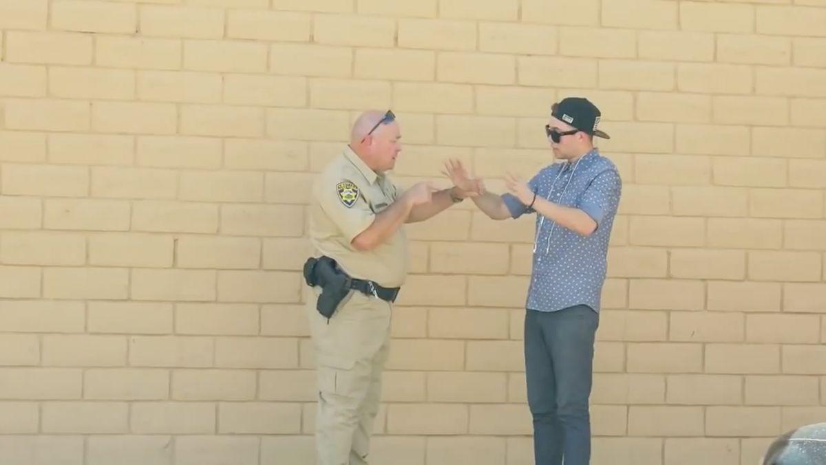 Wenn ein Magier einem Cop Gras verkaufen will | Lustiges | Was is hier eigentlich los?