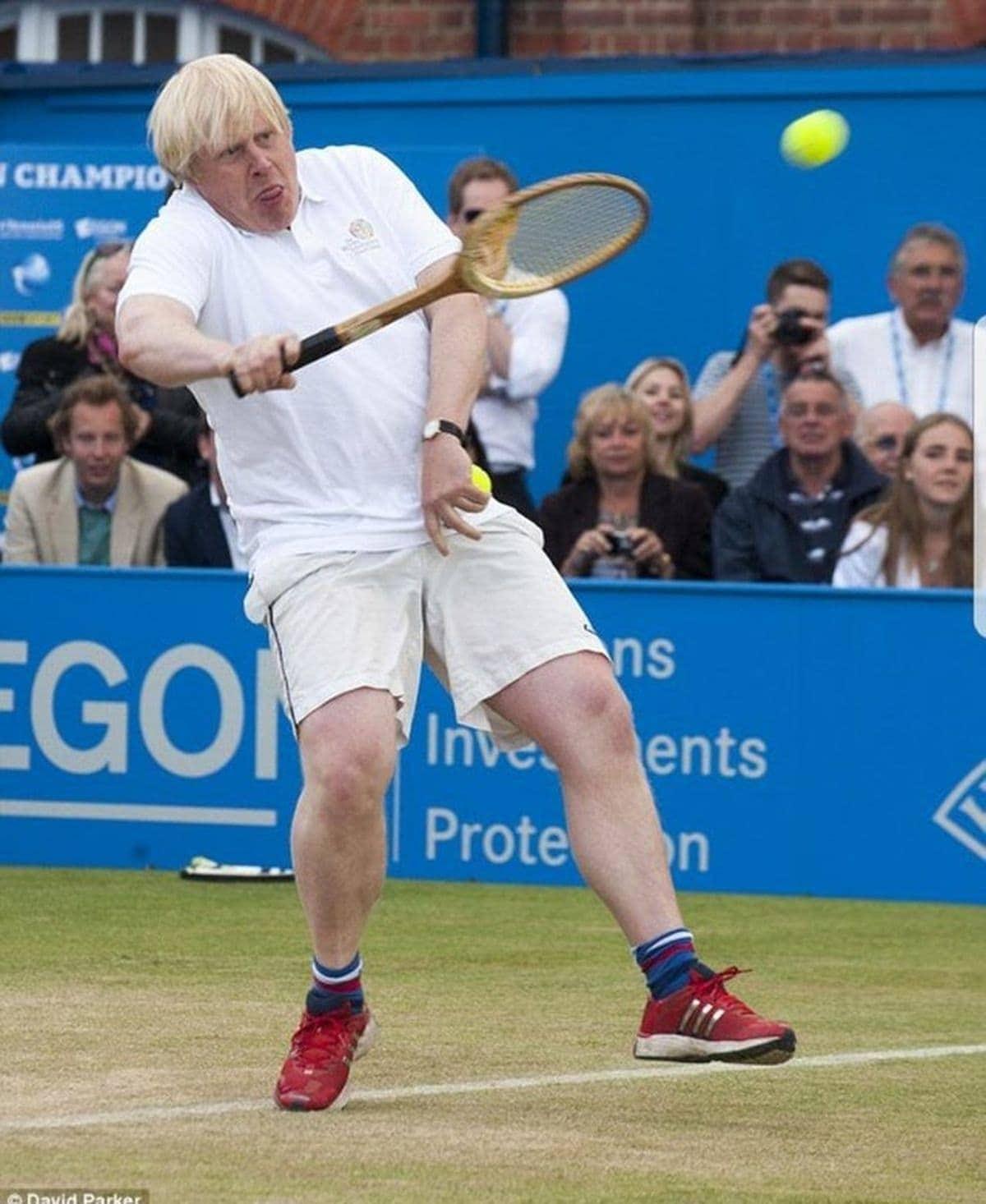 Nach Insolvenz: Boris Becker zurück auf dem Tennisplatz | Lustiges | Was is hier eigentlich los?