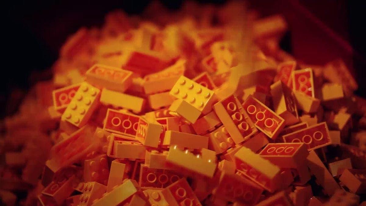 Wie LEGO-Steine hergestellt werden | Was gelernt | Was is hier eigentlich los?