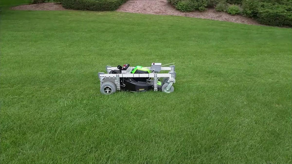 Ein ferngesteuerter Rasenmäher | Gadgets | Was is hier eigentlich los?