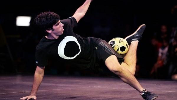 Superball – Die hohe Fußballkunst | Awesome | Was is hier eigentlich los? | wihel.de