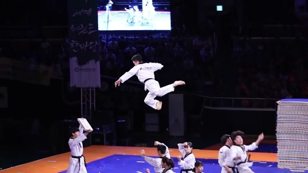 Das Kukkiwon Demonstration Team in Aktion | Awesome | Was is hier eigentlich los? | wihel.de