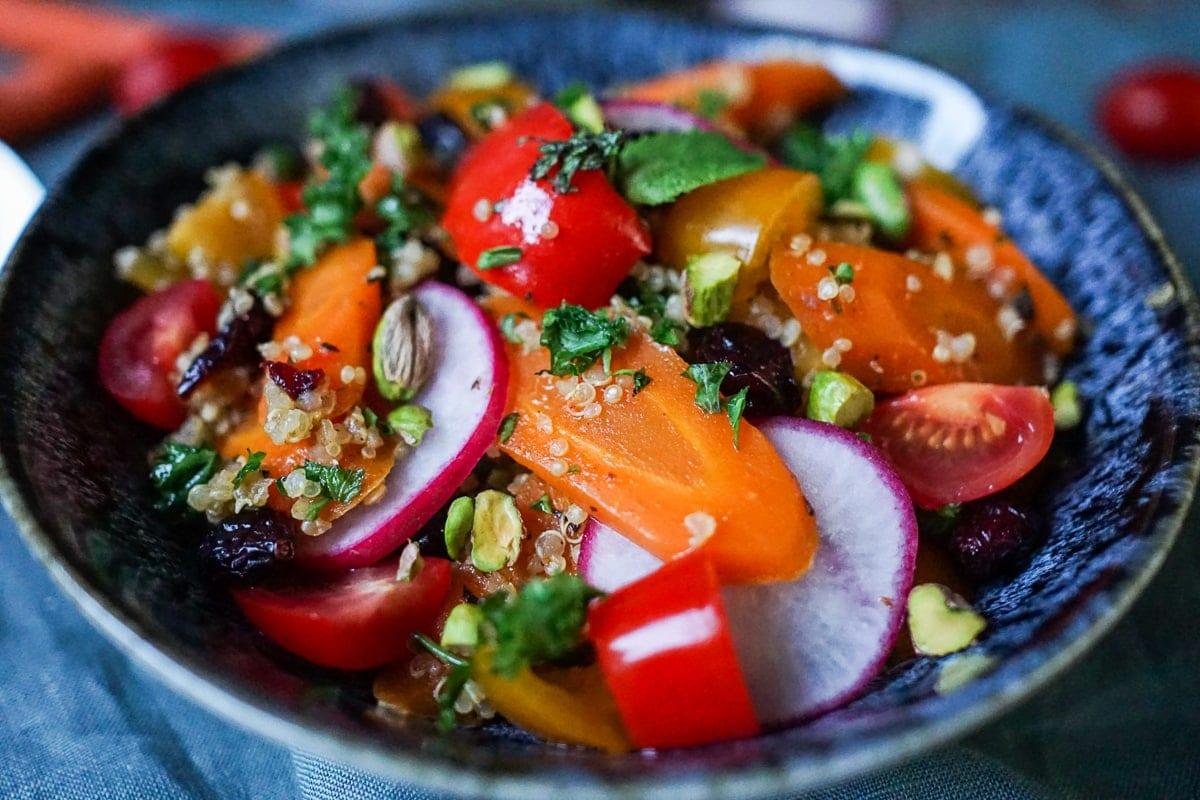 Line macht marokkanischen Quinoa-Möhrensalat | Line kocht | Was is hier eigentlich los?