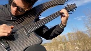 Paint it black der Rolling Stones auf einer Carbon Fiber Harp Guitar gespielt | Musik | Was is hier eigentlich los?