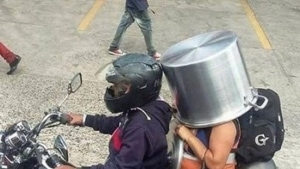 Verleser und ihre Auswirkungen. Heute: Topfschutz statt Kopfschutz | Lustiges | Was is hier eigentlich los?