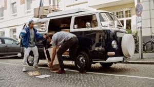 Wenn die Hilfsbereitschaft plötzlich nach hinten los geht – Cäptn Clepto und sein Pranksurance-Video | sponsored Posts | Was is hier eigentlich los?