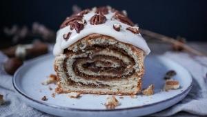 Line backt winterlichen Cinnamon-Swirl-Kuchen mit Frischkäse-Topping | Line backt | Was is hier eigentlich los? | wihel.de