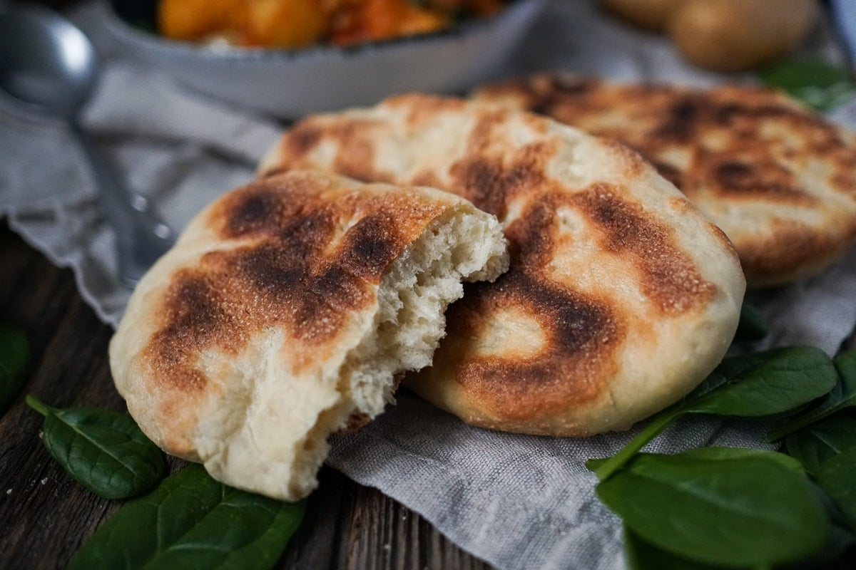 Line kocht Kartoffel-Blumenkohl-Curry mit Naan | Line kocht | Was is hier eigentlich los?