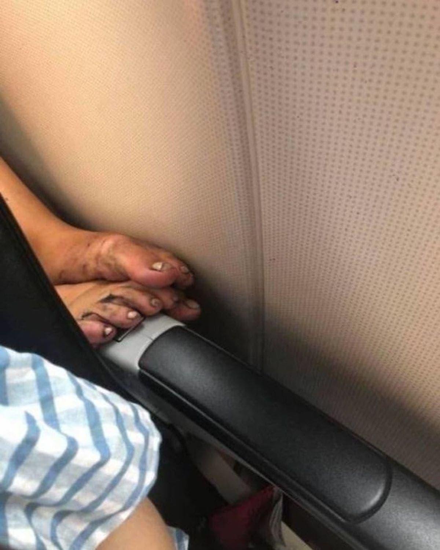 Menschen im Flugzeug - Auch weiterhin eine Leidensgeschichte | WTF | Was is hier eigentlich los?