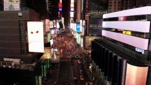 Mit der Drohne durch den Manhattan Time Square | Travel | Was is hier eigentlich los? | wihel.de