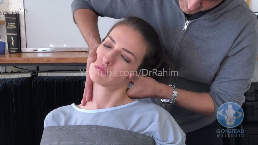 Der Chiropraktiker Dr. Rahim | Awesome | Was is hier eigentlich los?