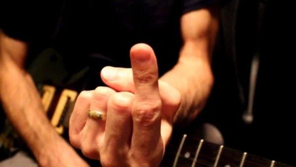 1 Finger, eine Saite, 10 Gitarren-Riffs | Musik | Was is hier eigentlich los?
