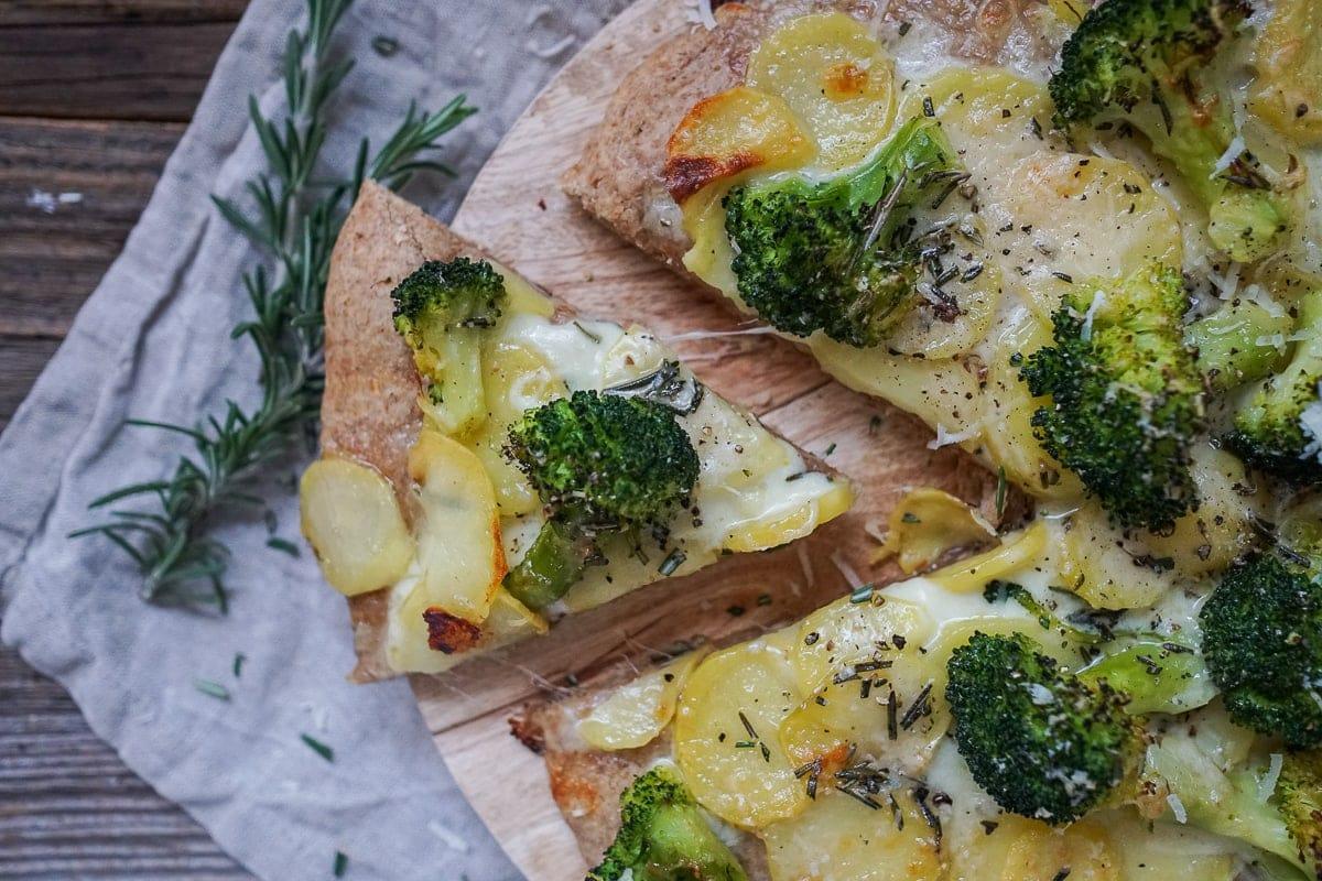 Line macht Kartoffel-Brokkoli-Pizza | Line kocht | Was is hier eigentlich los?
