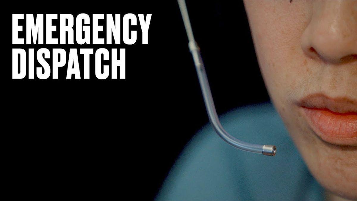 Mitarbeitern in Notrufzentralen über die Schulter geschaut | Menschen | Was is hier eigentlich los?