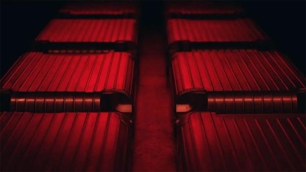 Visuell großartig: Wie Rimowa-Koffer hergestellt werden | Handwerk | Was is hier eigentlich los?