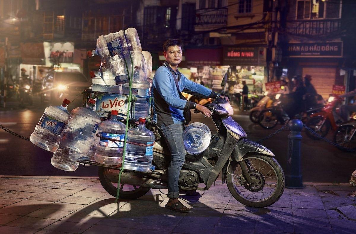 Was die Leute in Hanoi so alles mit dem Motorrad transportieren - Fotoserie von Jon Enoch | Fotografie | Was is hier eigentlich los?