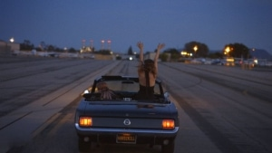 Mavi Phoenix - Romantic Mode | Musik | Was is hier eigentlich los?