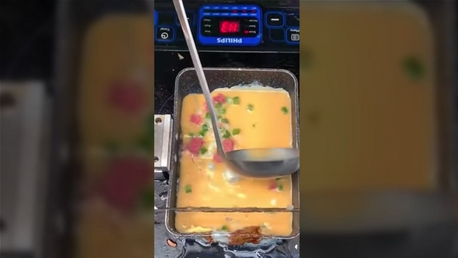Ein Omelette-Brat-Roboter in Aktion | Gadgets | Was is hier eigentlich los?
