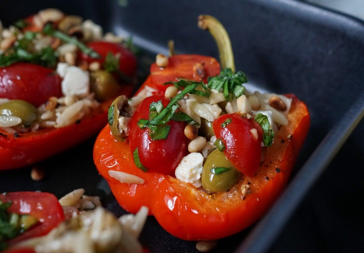 Line macht gefüllte Paprika mit griechischem Nudelsalat | Line kocht | Was is hier eigentlich los?