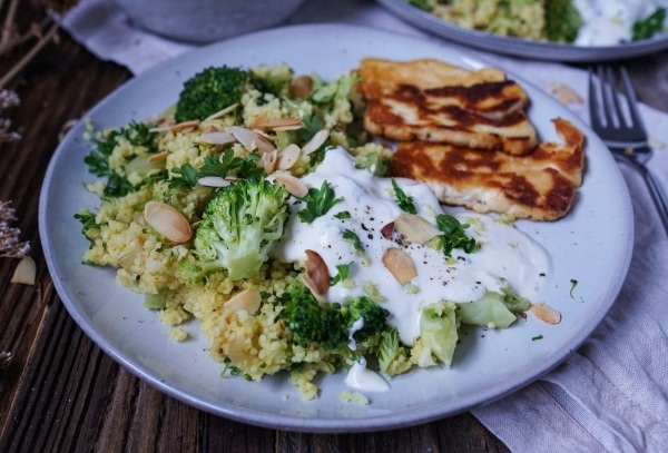 Line macht Couscous-Brokkoli-Salat mit Zitronenjoghurt und Halloumi | Line kocht | Was is hier eigentlich los?