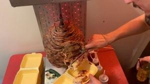 Nur ein Kebab-Kuchen | Essen und Trinken | Was is hier eigentlich los?