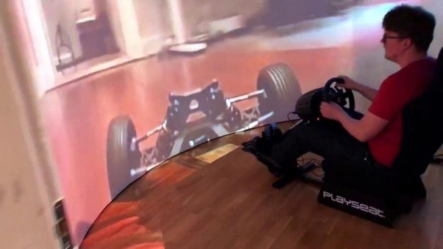 Sein Modell-Auto per riesigem Bildschirm durch die eigene Wohnung steuern | Gadgets | Was is hier eigentlich los?