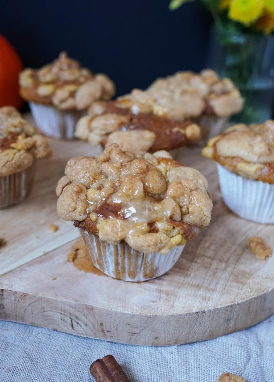 Line backt Pumpkin Spice Muffins mit Streuseln und Honig-Zimt-Butter | Line backt | Was is hier eigentlich los?