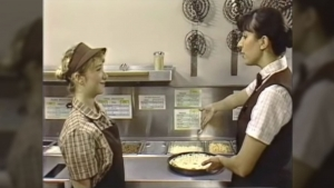 Ein Trainingsvideo von Pizza Hut aus 1988 | Zeitgeschichte | Was is hier eigentlich los?