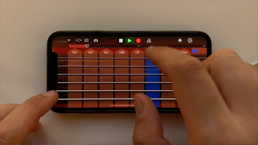 Legendäre Songs auf dem iPhone mit GarageBand gespielt | Musik | Was is hier eigentlich los?