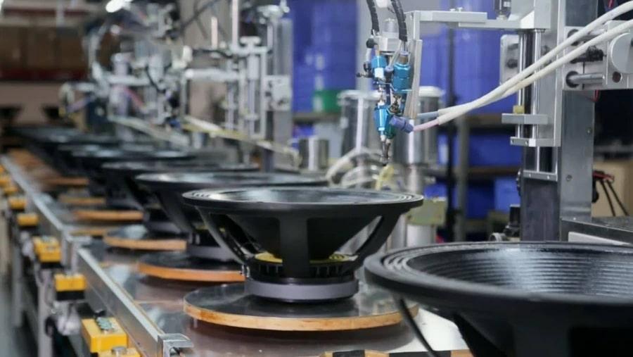 Wie Lautsprecher hergestellt werden | Handwerk | Was is hier eigentlich los?