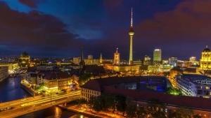 Berlin in 8K | Travel | Was is hier eigentlich los?