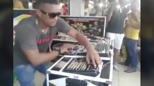 Wenn der DJ Motivationslevel 1000 erklommen hat | Lustiges | Was is hier eigentlich los?