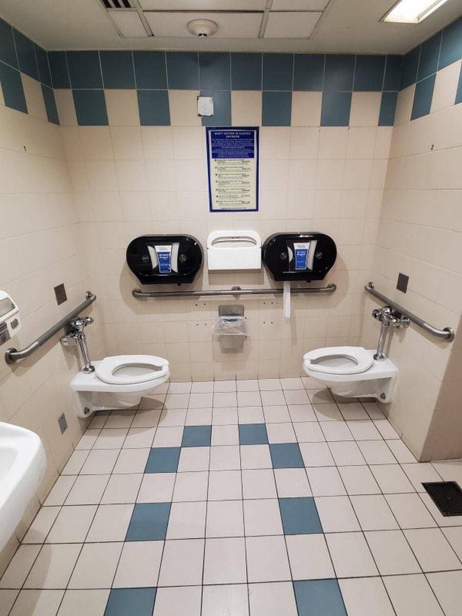 Oh toll, eine Pärchentoilette | Lustiges | Was is hier eigentlich los?