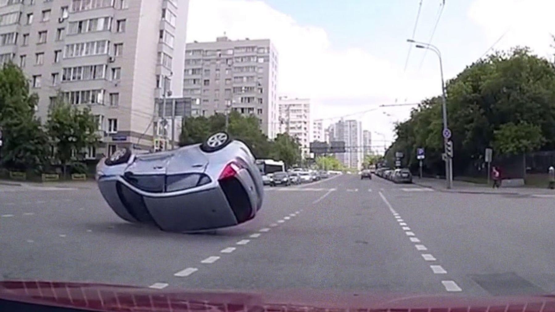 Auto-Unfälle ohne zweites Unfallauto | WTF | Was is hier eigentlich los?