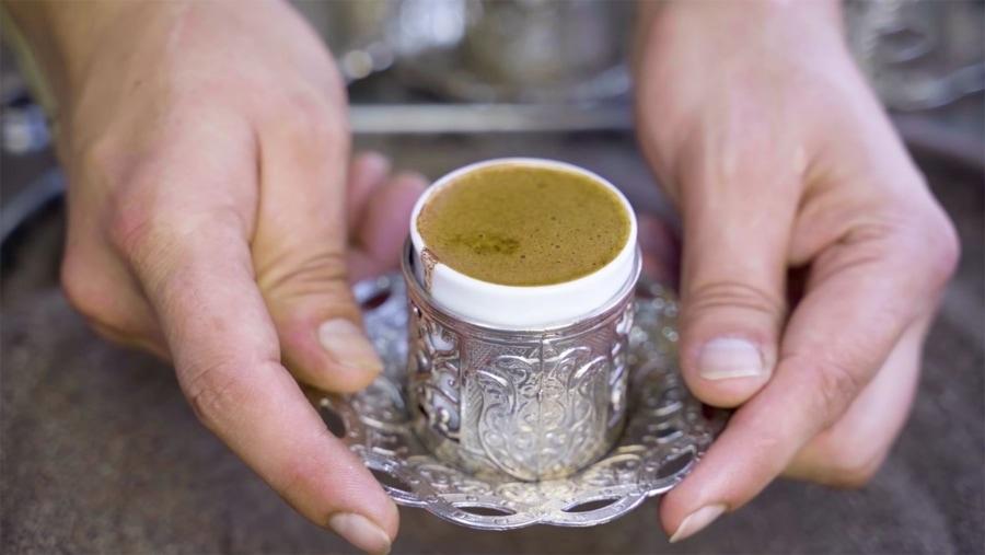 Wie Kaffee auf der ganzen Welt gemacht wird | Essen und Trinken | Was is hier eigentlich los?