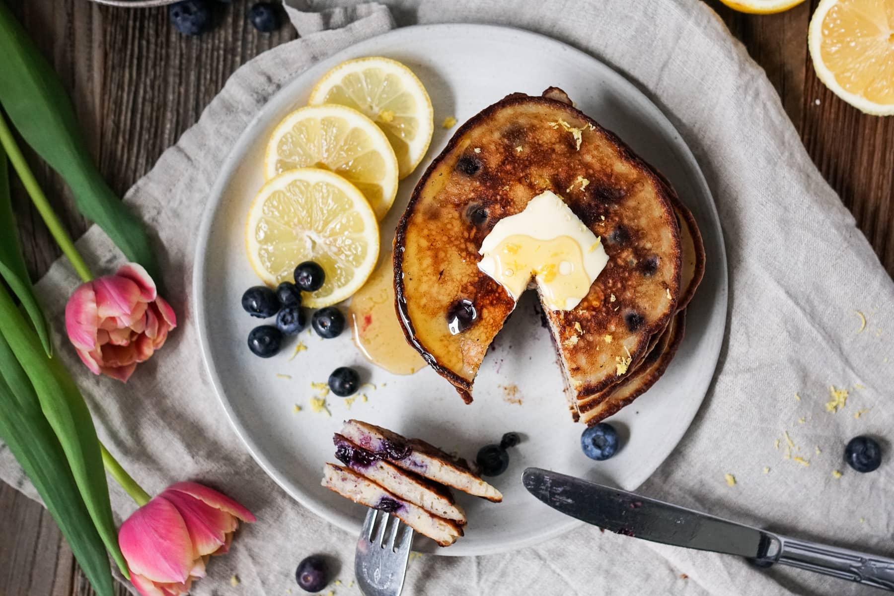 Line backt Zitronen-Ricotta-Pancakes mit Blaubeeren | Line backt | Was is hier eigentlich los?