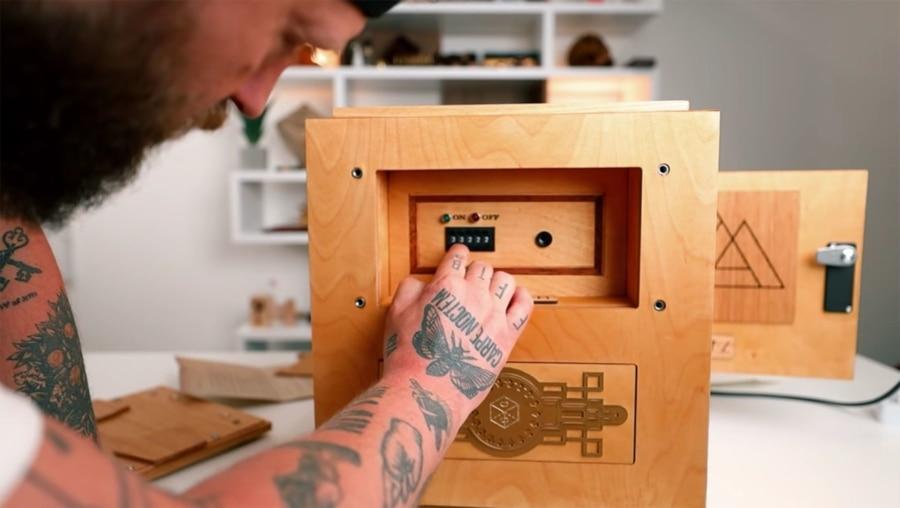 Chris Ramsay löst die weltgrößte Puzzle-Box | Gadgets | Was is hier eigentlich los?